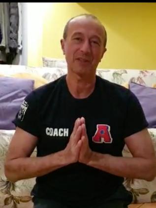 """Yoga-Pranayama: """"Un Asana al giorno"""", finisce il corso il saluto di Alessandro Consoli."""
